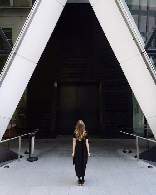 Foto profissional grátis de adulto, aeroporto, arquitetura, bonita