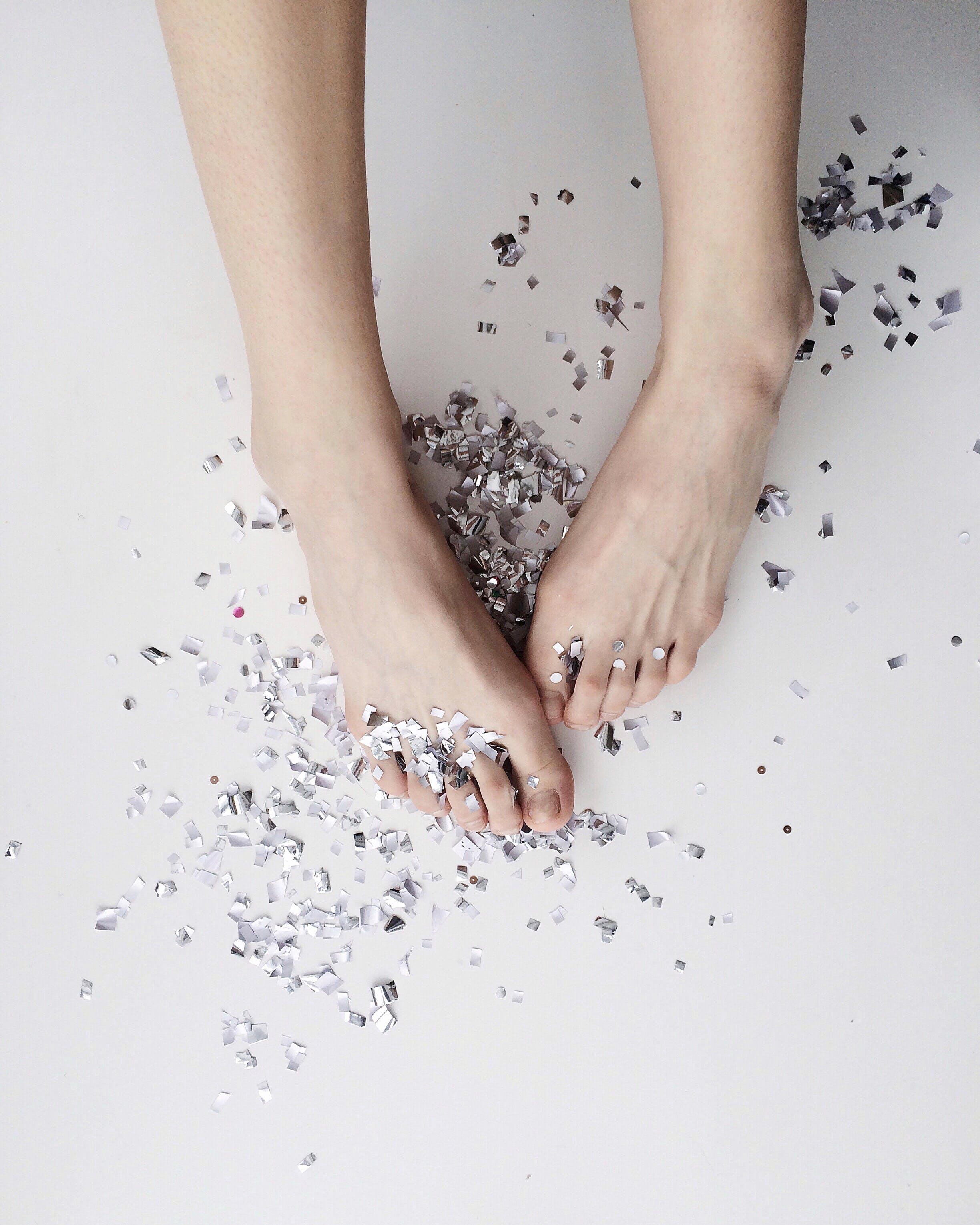 cilt, çıplak ayak, güzel, moda içeren Ücretsiz stok fotoğraf