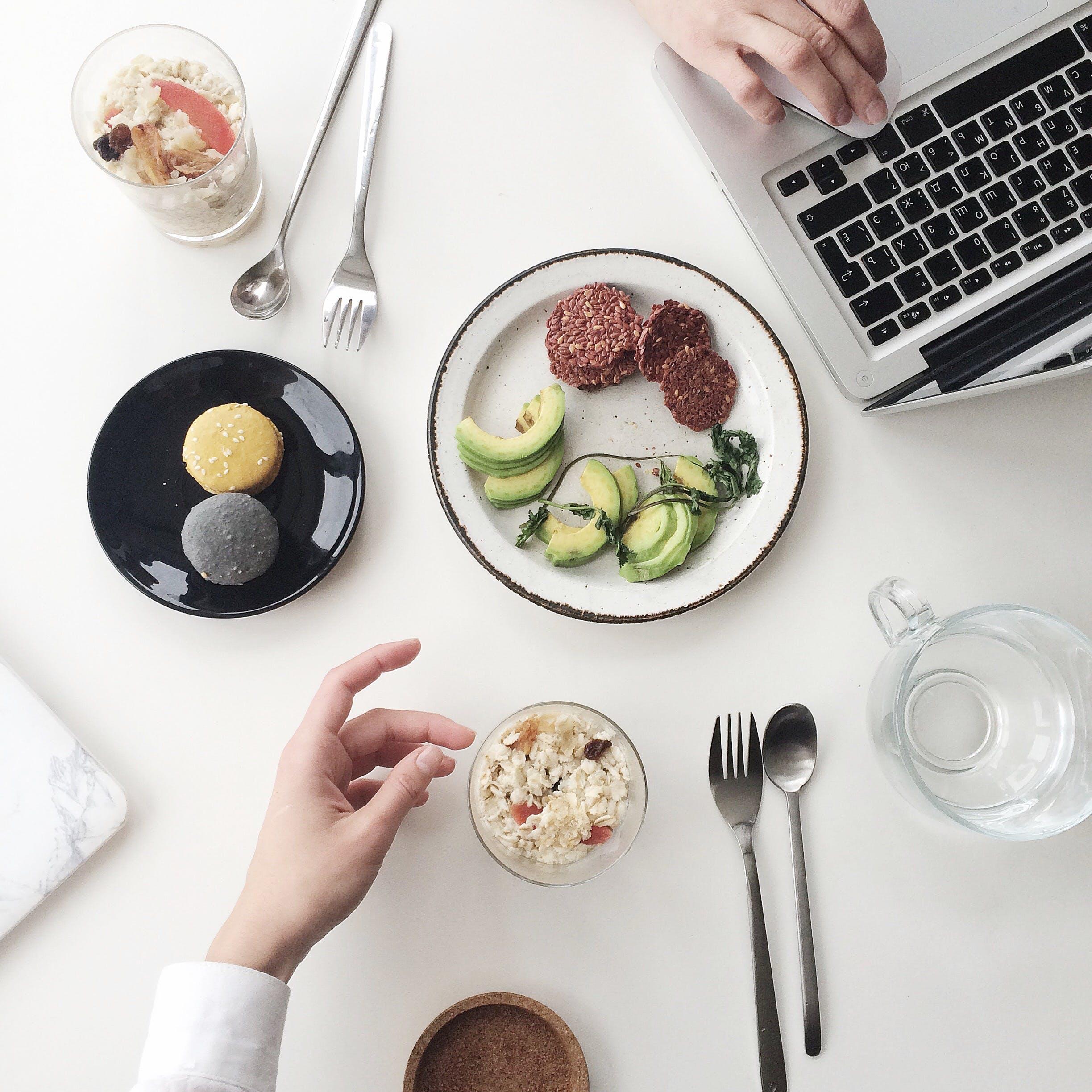 Kostenloses Stock Foto zu essen, teller, gesund, tasse