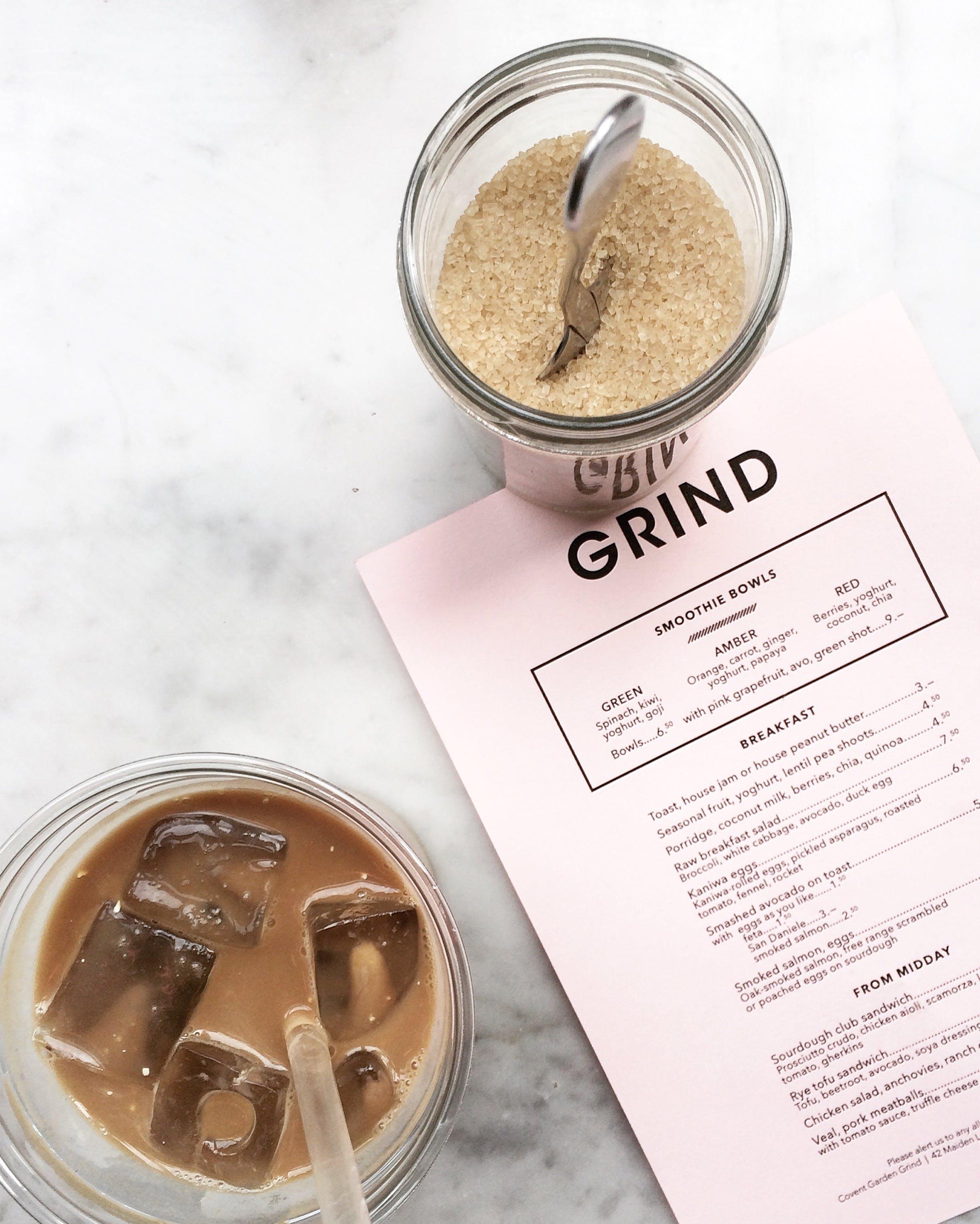 Kostenloses Stock Foto zu braun, cappuccino, dämmerung, eiswürfel