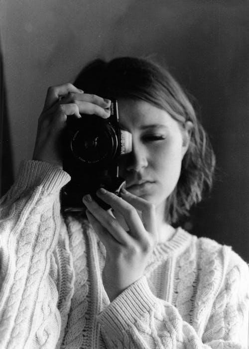 Foto d'estoc gratuïta de adult, càmera, cara, desgast