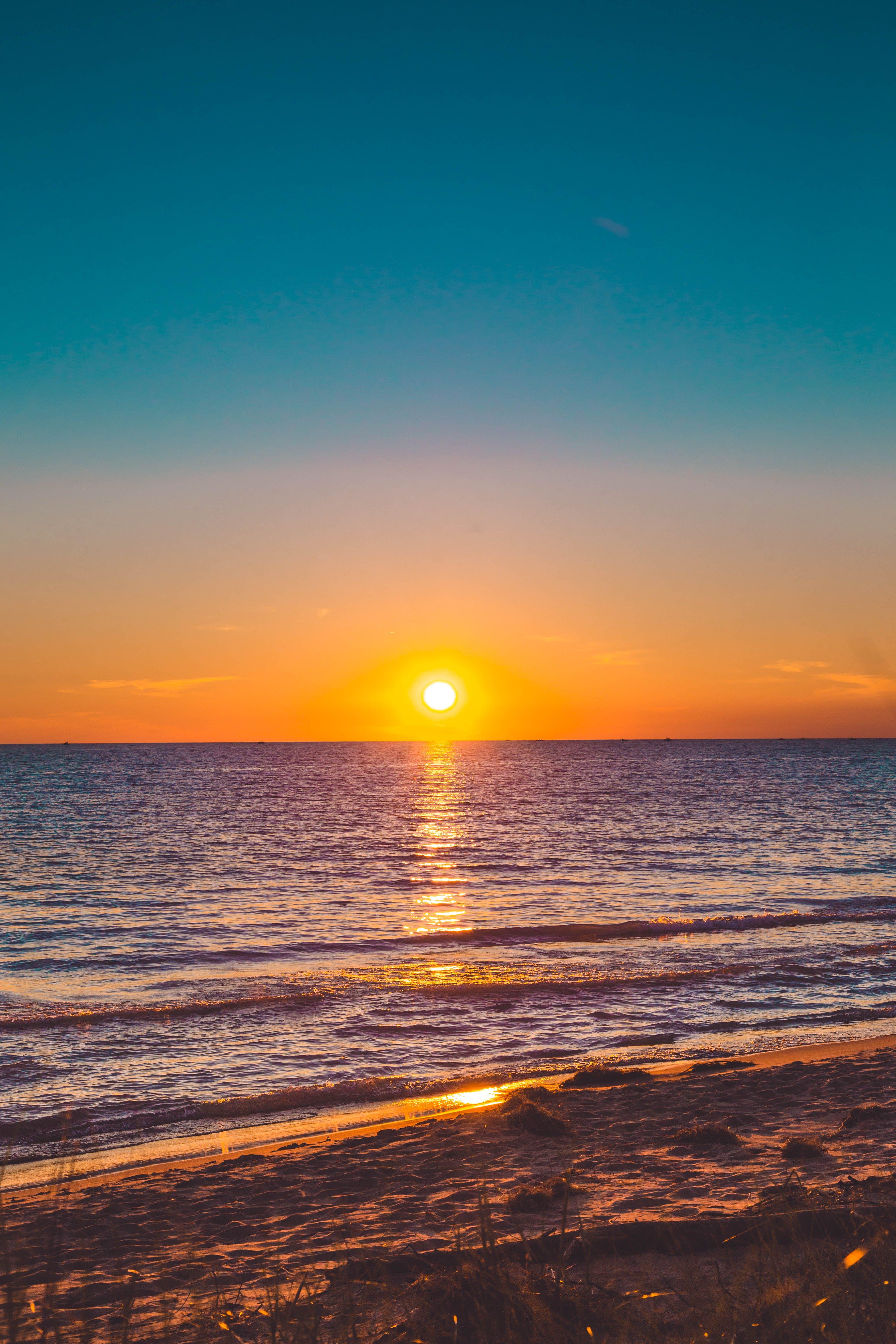 คลังภาพถ่ายฟรี ของ ชายทะเล, ชายหาด, ดวงอาทิตย์, ตอนเย็น