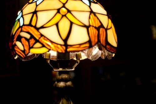 Gratis lagerfoto af farverige briller lys i mørket
