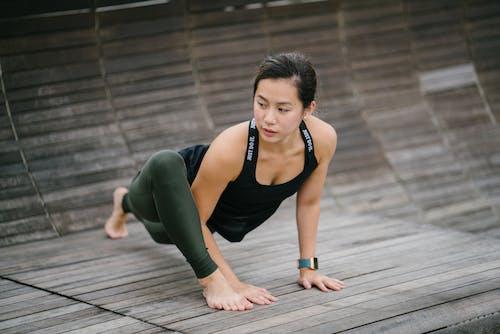 Fitbit, アウトドア, アジアの女性, アジア人の女の子の無料の写真素材