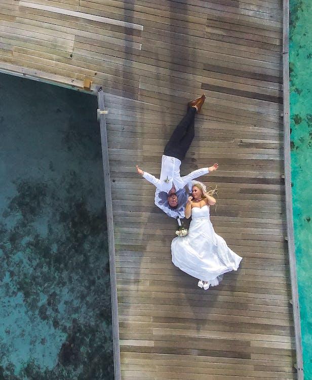 bến tàu, chụp ảnh, Cô dâu và chú rể