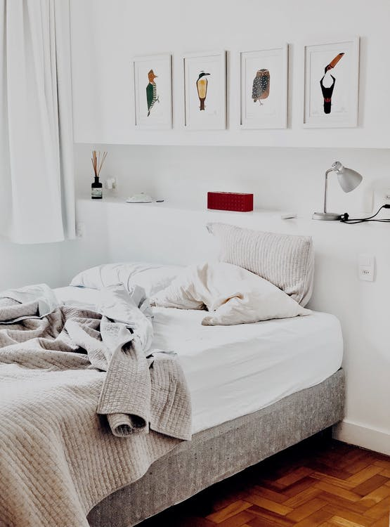 How To Best Make Your Bedroom Cozy, Fresh & Clean