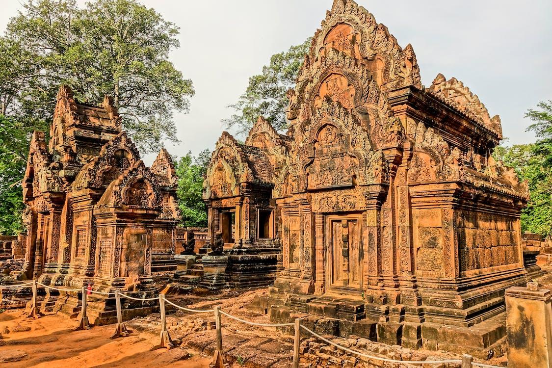 Arany, Buddha, építészet