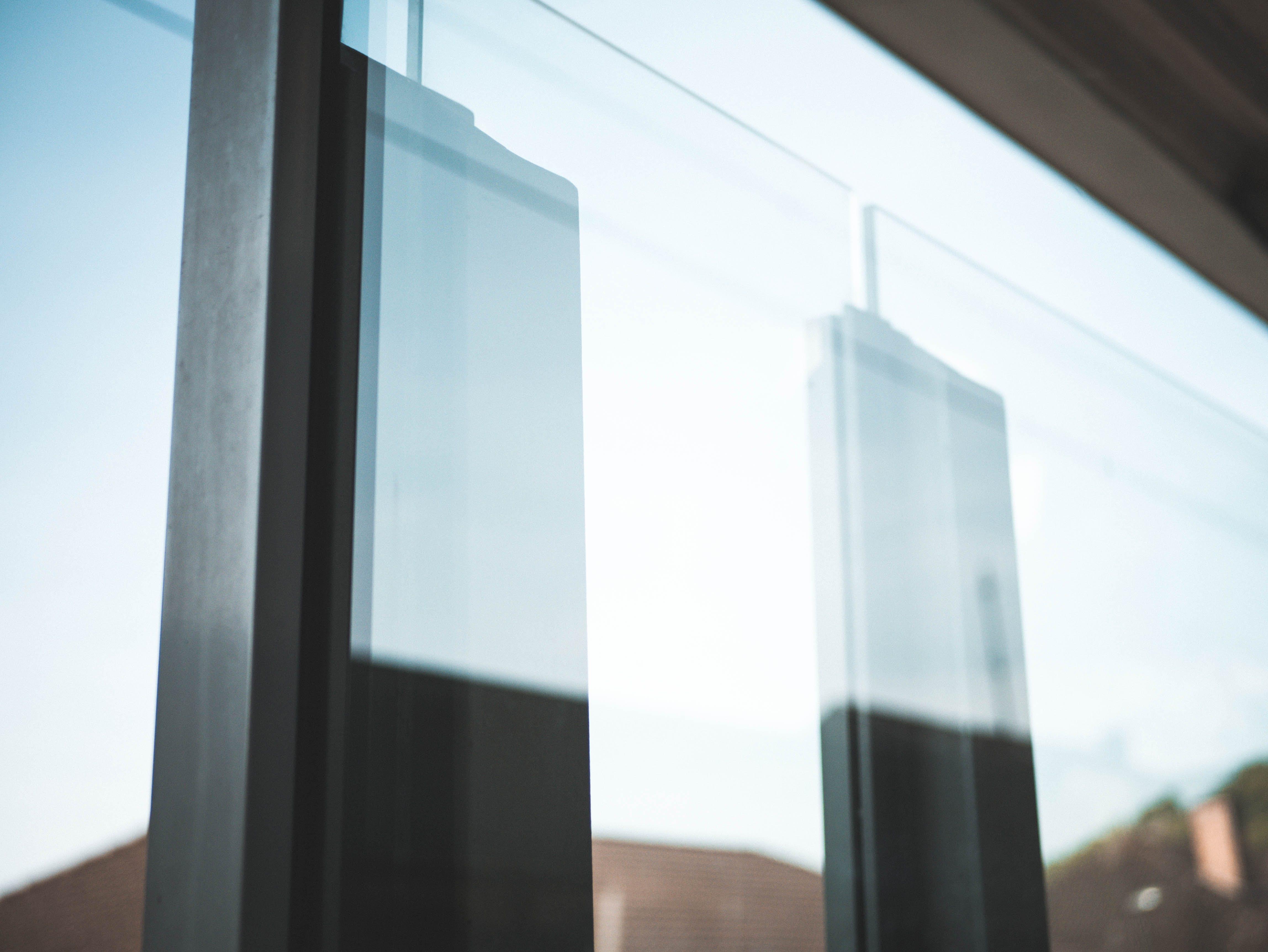 Darmowe zdjęcie z galerii z jasny, miejski, nowoczesny, odbicie