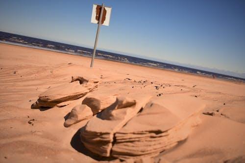 Kostenloses Stock Foto zu blaue wasser, natur, sand, sandskulpturen