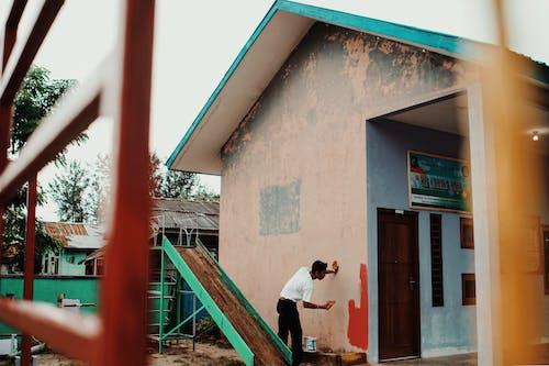 Kostnadsfri bild av borsta, byggnad, dagsljus, dörr