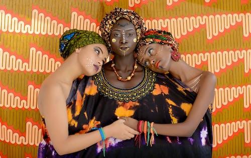 Photos gratuites de à l'intérieur, art, ethnicité africaine, femmes