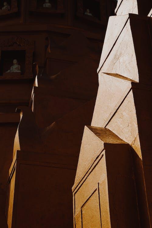Foto stok gratis bangunan, beton, dinding, emas