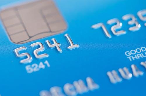 Foto profissional grátis de adquirir, banco, carta, close
