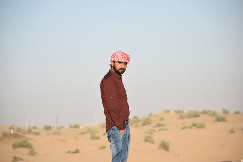 Δωρεάν στοκ φωτογραφιών με casual, άμμος, αναψυχή, άνδρας