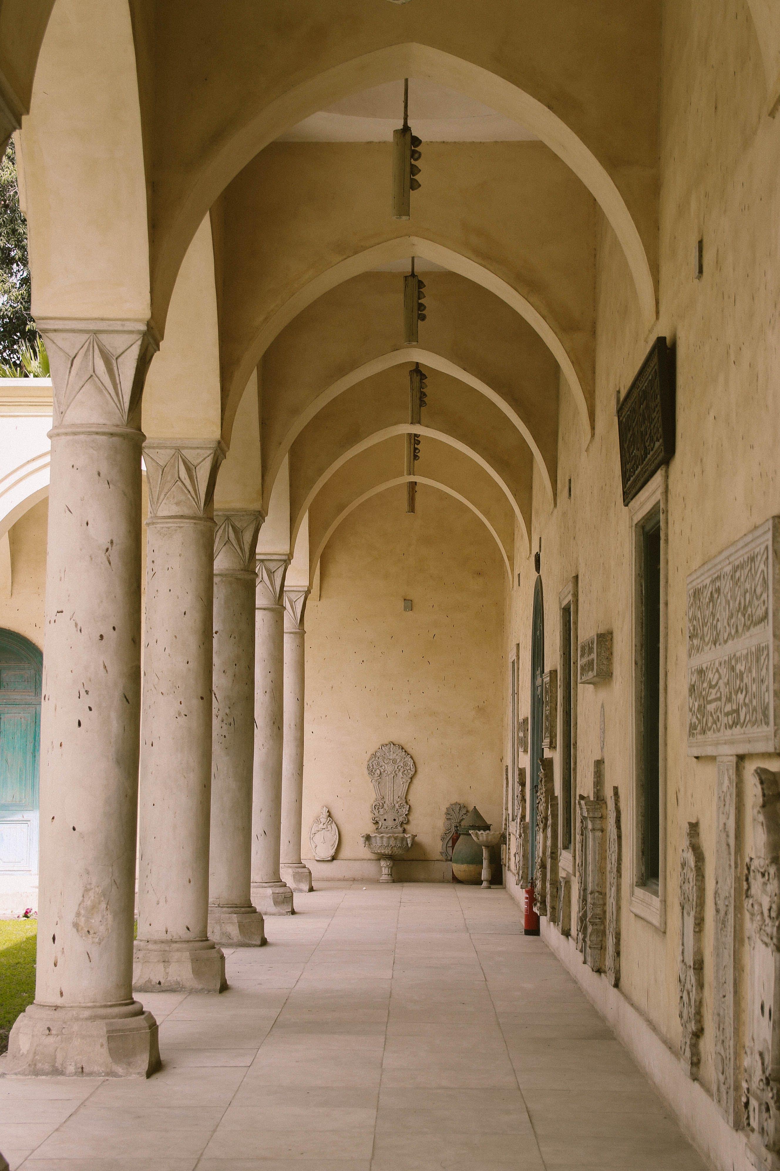 Foto profissional grátis de ancião, arcadas, arquitetura, arte
