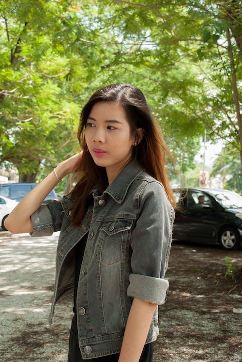 Základová fotografie zdarma na téma bunda, dlouhé vlasy
