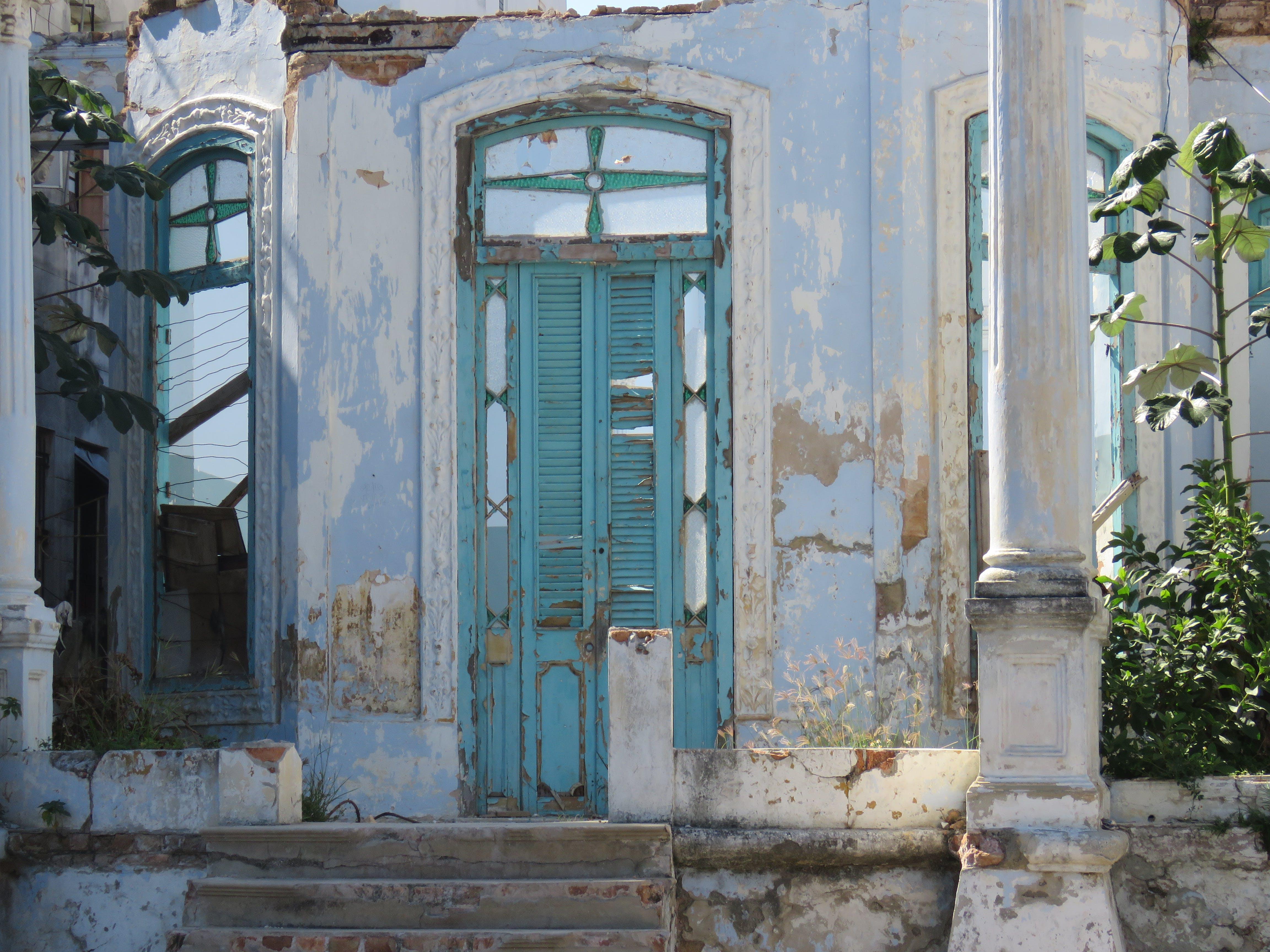 Kostenloses Stock Foto zu architektur, außen, eingang, familie
