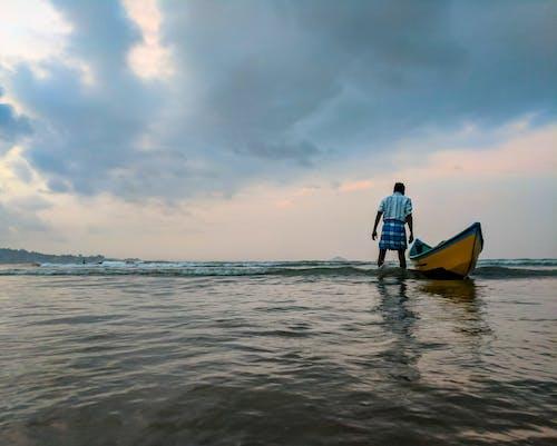 Gratis stockfoto met boot, dageraad, eigen tijd, golven