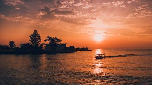 Immagine gratuita di acqua, aereo, alba, calmo