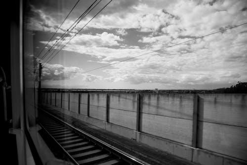 Fotobanka sbezplatnými fotkami na tému čiara, koľaje, obloha