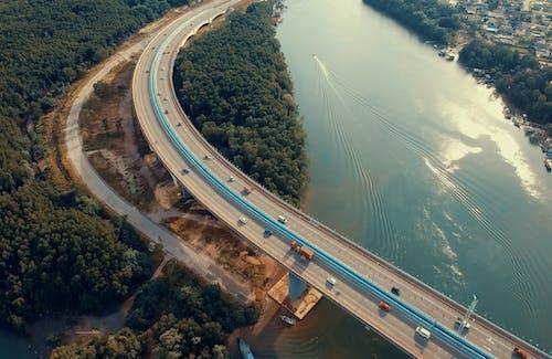 Foto d'estoc gratuïta de aeri, aigua, arquitectura, autopista