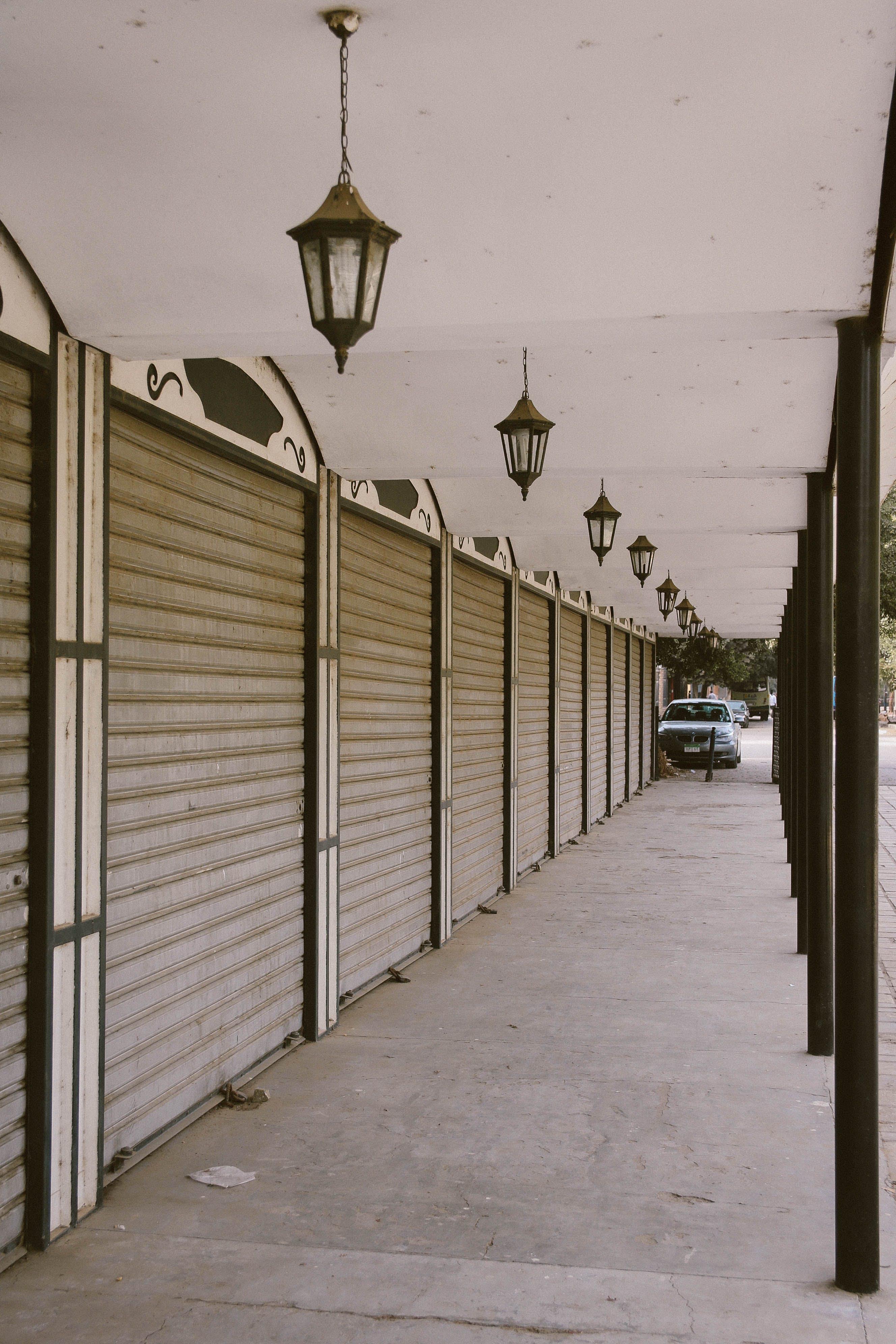 Kostenloses Stock Foto zu abgeschlossen, außen, auto, beleuchtung
