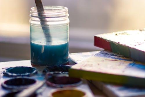 Kostenloses Stock Foto zu container, drinnen, farbe, farben