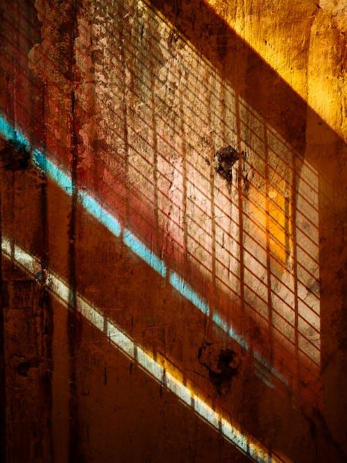 Darmowe zdjęcie z galerii z brudny, budynek, ciemny, cień