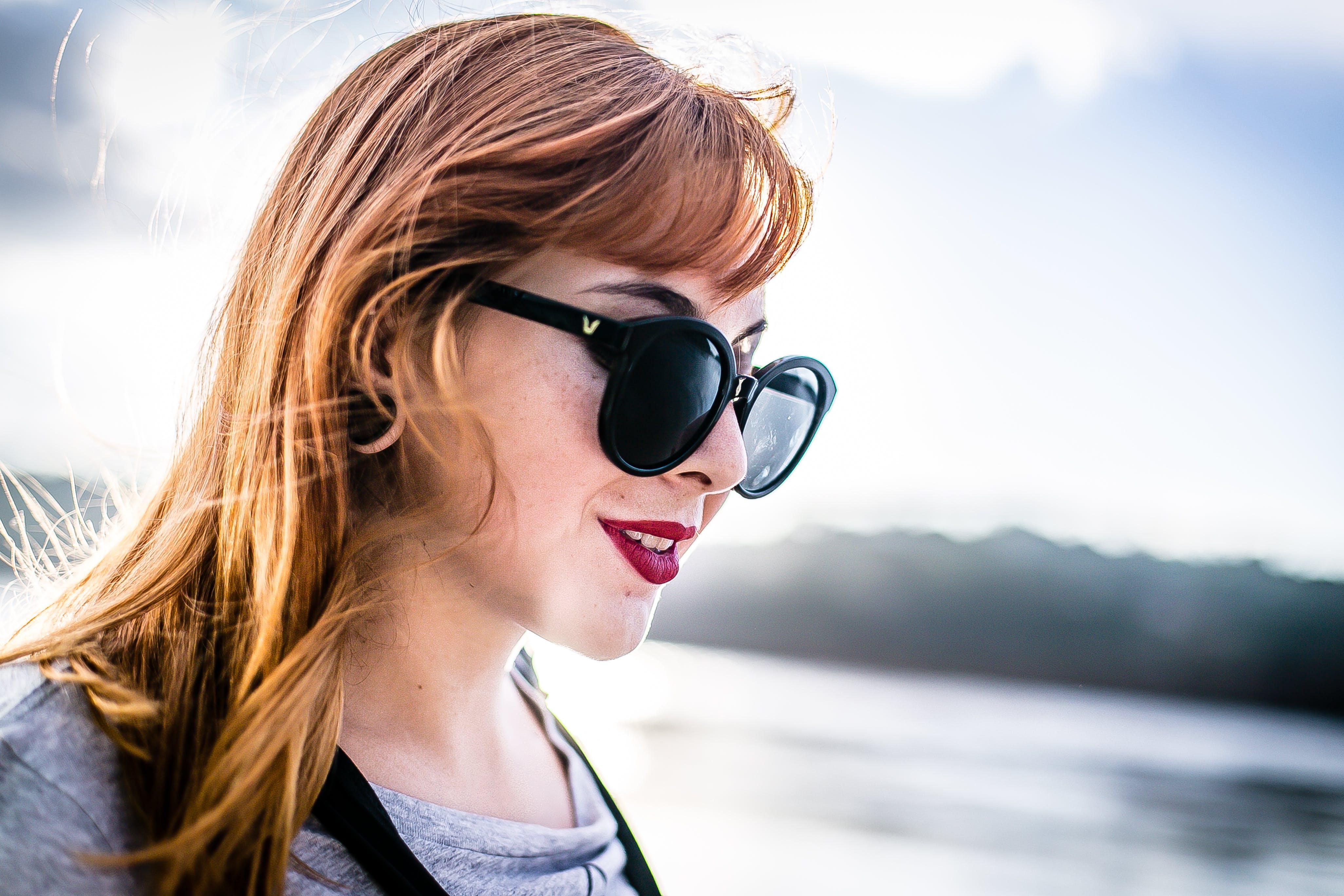 サングラス, パーク, ファッション, ブロンドの髪の無料の写真素材