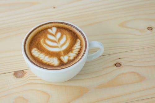 Foto profissional grátis de arte, barista, cafeína, castanho