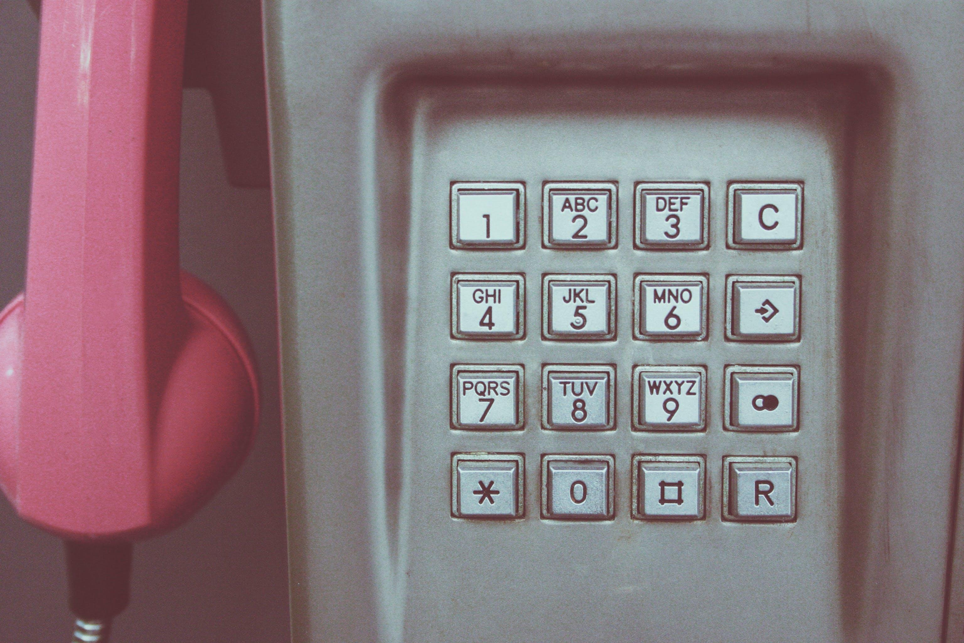 Kostenloses Stock Foto zu vintage, technologie, anrufen, nummern