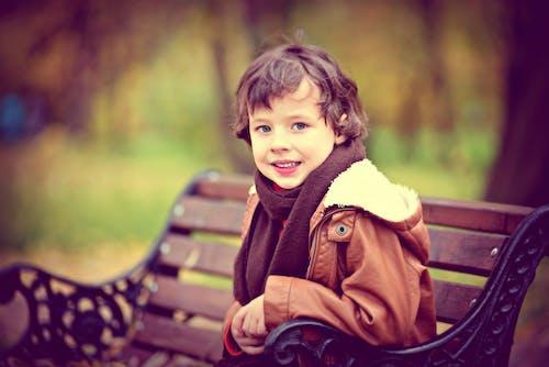 Fotos de stock gratuitas de alegría, bosque, bosque de otoño, chaqueta