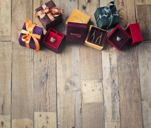 Ilmainen kuvapankkikuva tunnisteilla artesaani, asu, esittely, joulu