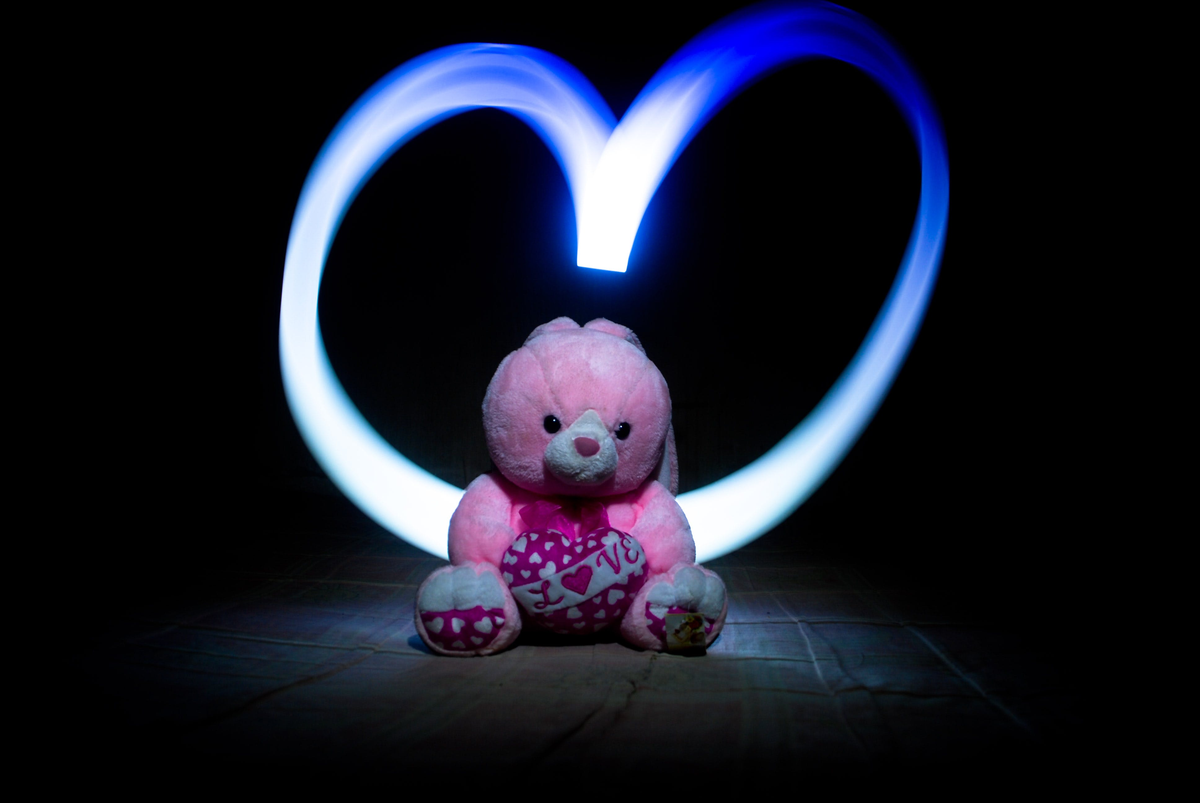 Pink Bear Plush Toy With Heart Draw-lighting Photography Effect