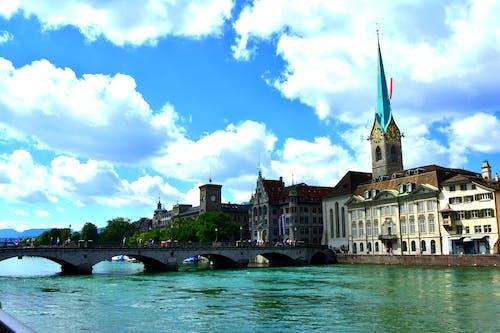 Безкоштовне стокове фото на тему «zurich, краєвид, міст, собор»