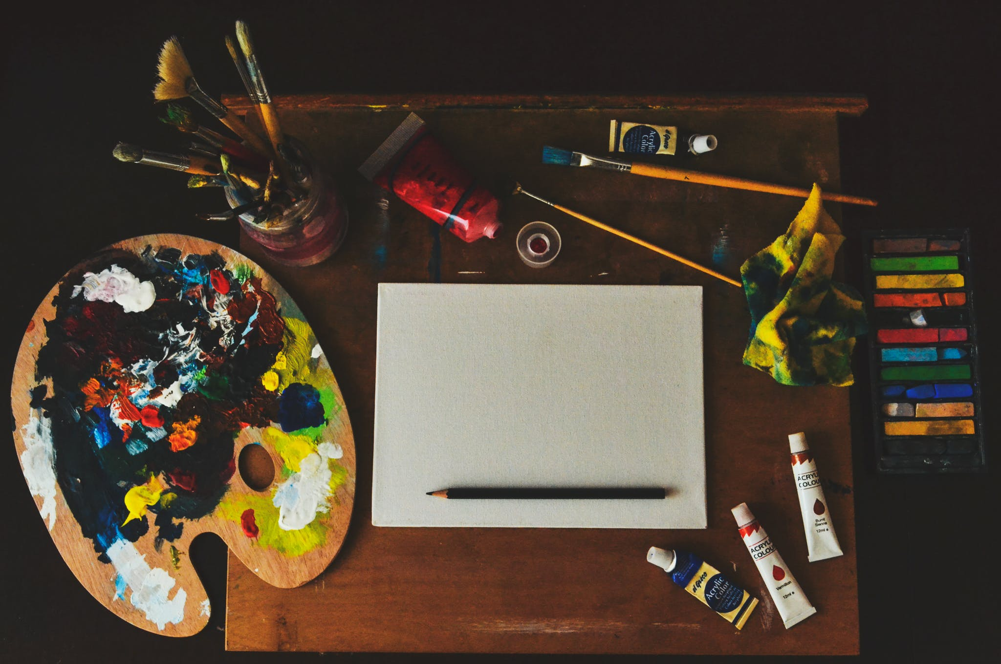 Assorted-color Artwork Equipment Set