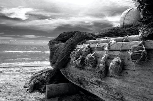 Foto profissional grátis de barco, litoral, mar, nuvens