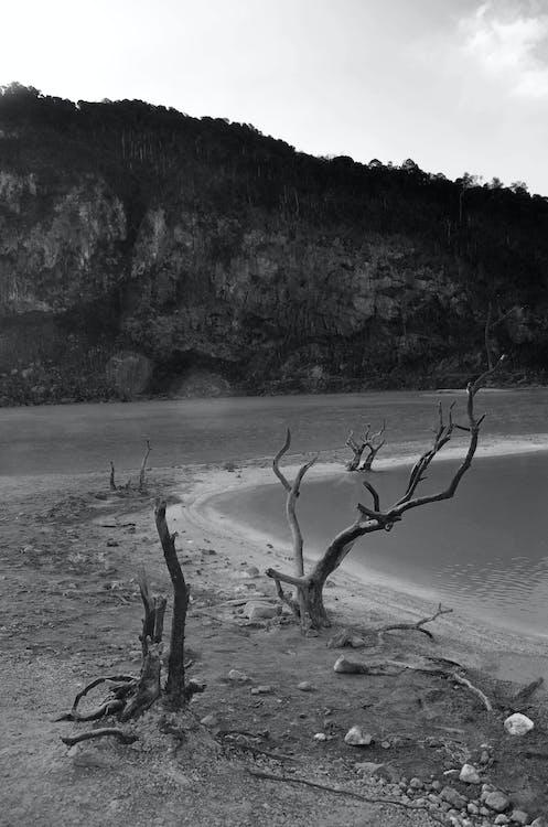 agua, blanco y negro, cráter