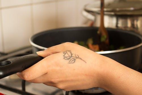 Základová fotografie zdarma na téma dospělý, horko, jídlo, kuchyně