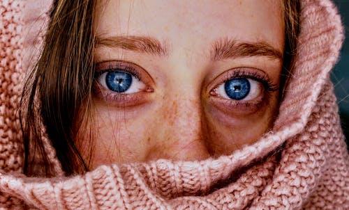 人, 冷, 可愛, 圍巾 的 免費圖庫相片