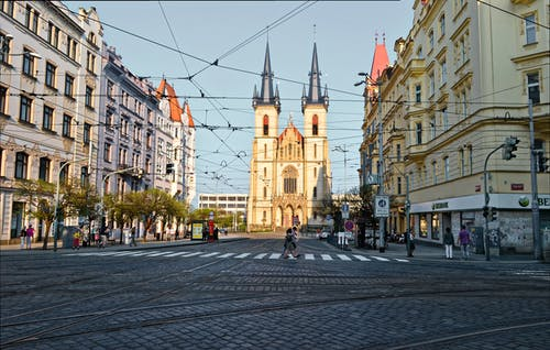 거리, 건너는, 건물, 건축의 무료 스톡 사진