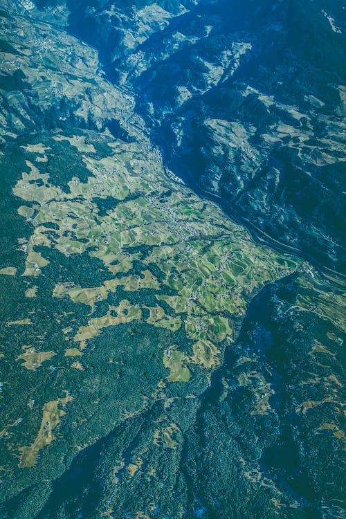 Безкоштовне стокове фото на тему «гірський хребет, гори, зелений, Природа»
