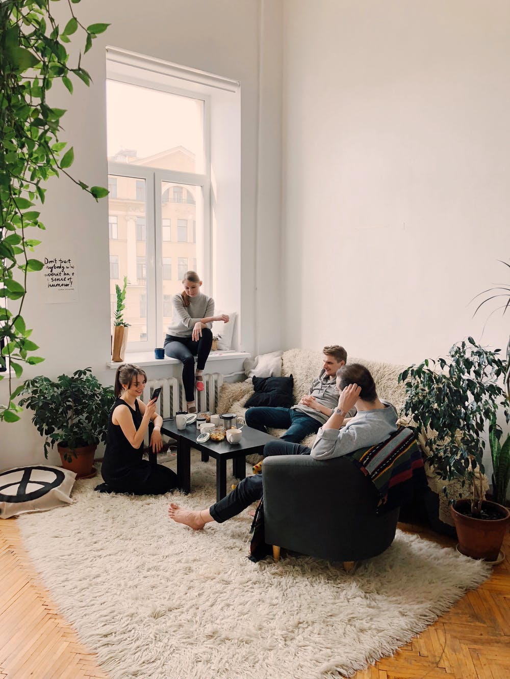 Student Roommates: How to Set Boundaries When Living with Roommates