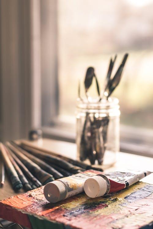 kartáčky, malířský štětec, malování
