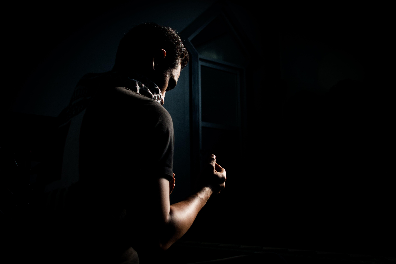 Ingyenes stockfotó álló kép, árnyék, fekete, felnőtt témában