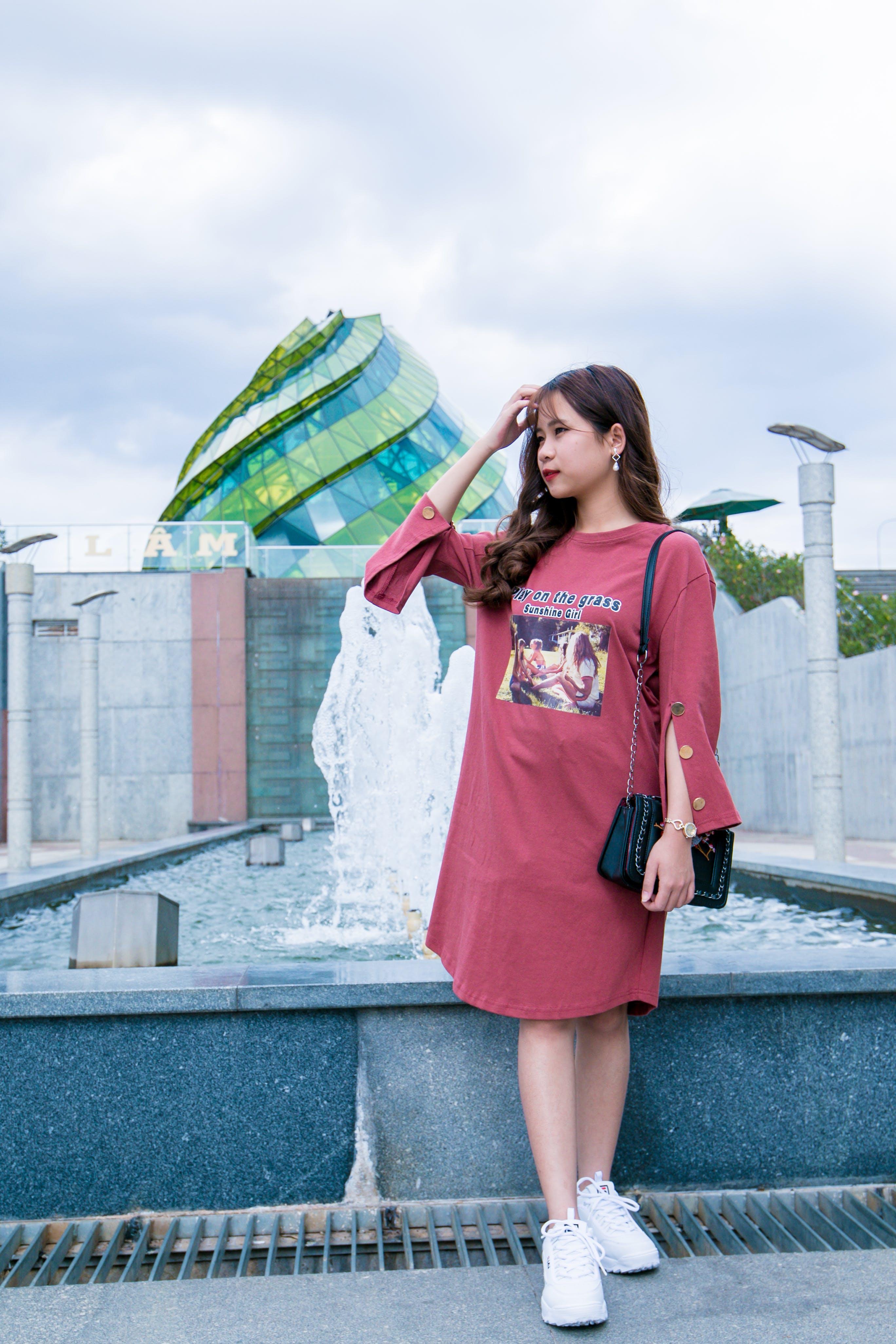 Gratis lagerfoto af asiatisk kvinde, Asiatisk pige, bagage, by