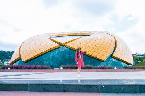 Foto profissional grátis de atraente, céu, construção, contemporâneo