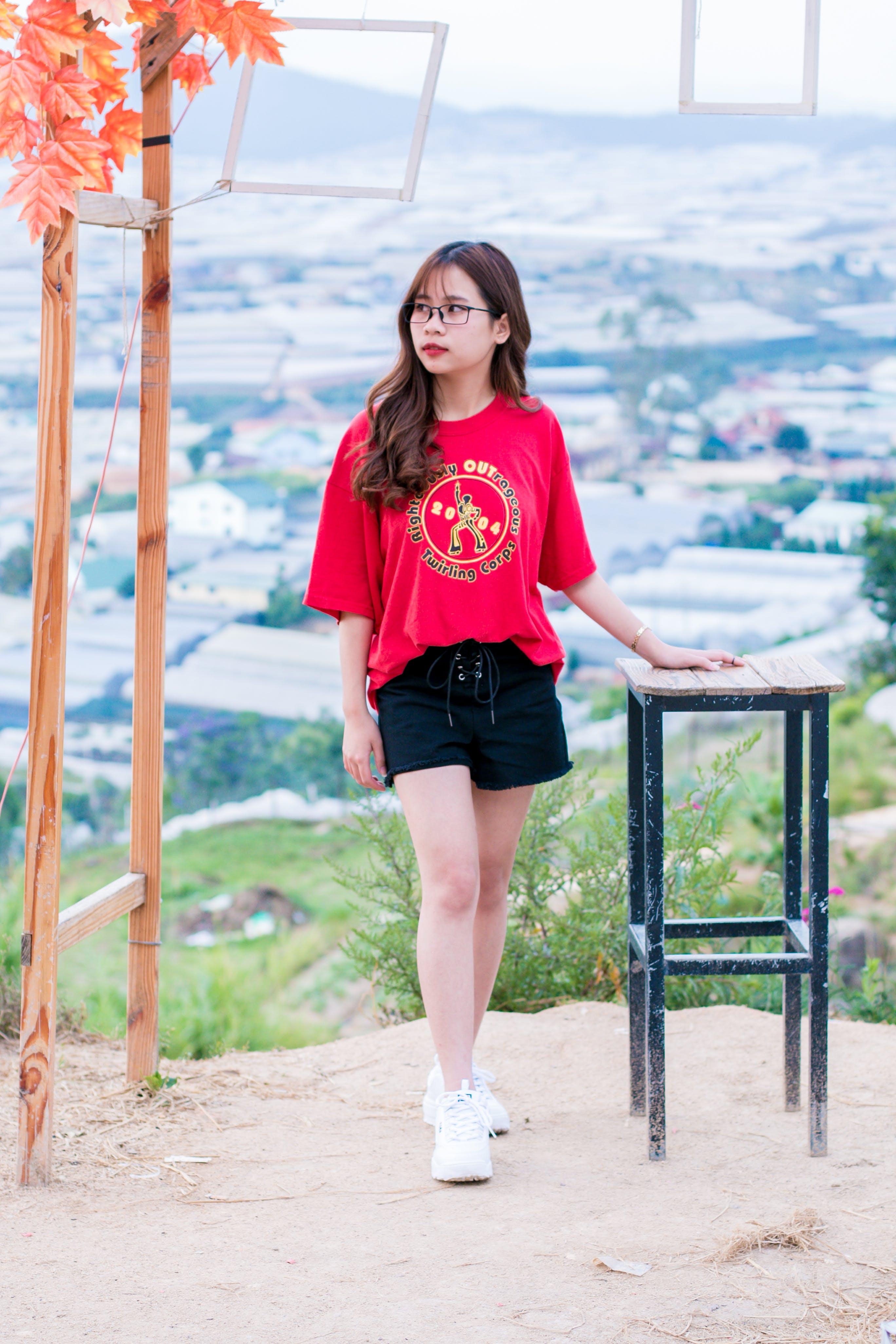 Základová fotografie zdarma na téma asiatka, asijská holka, červená, denní světlo