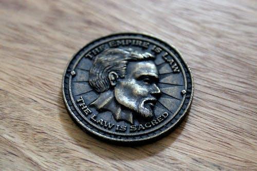 Kostenloses Stock Foto zu antik, bronzemünze, dunkel, geschichte