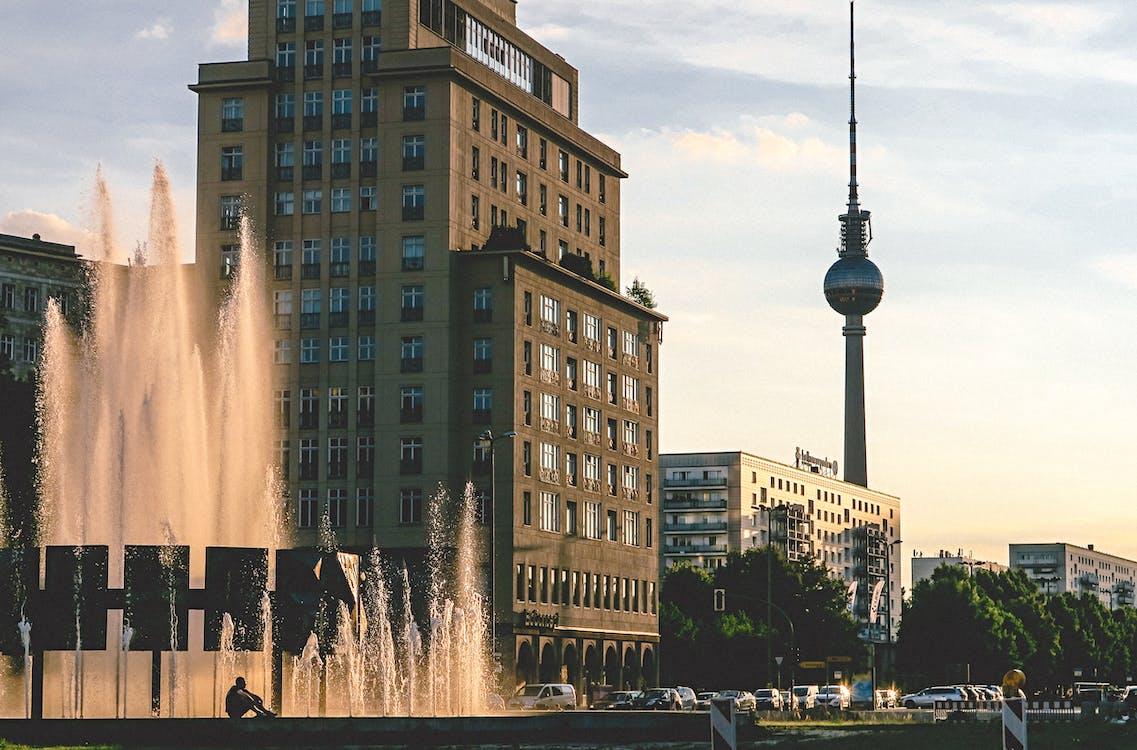 Ingyenes stockfotó autók, belváros, berlin témában